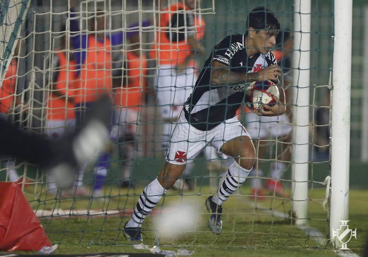 Germán Cano em jogo contra o Boavista