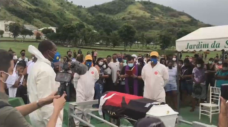 Kaio Guilherme foi enterrado nesta terça-feira no Rio de Janeiro