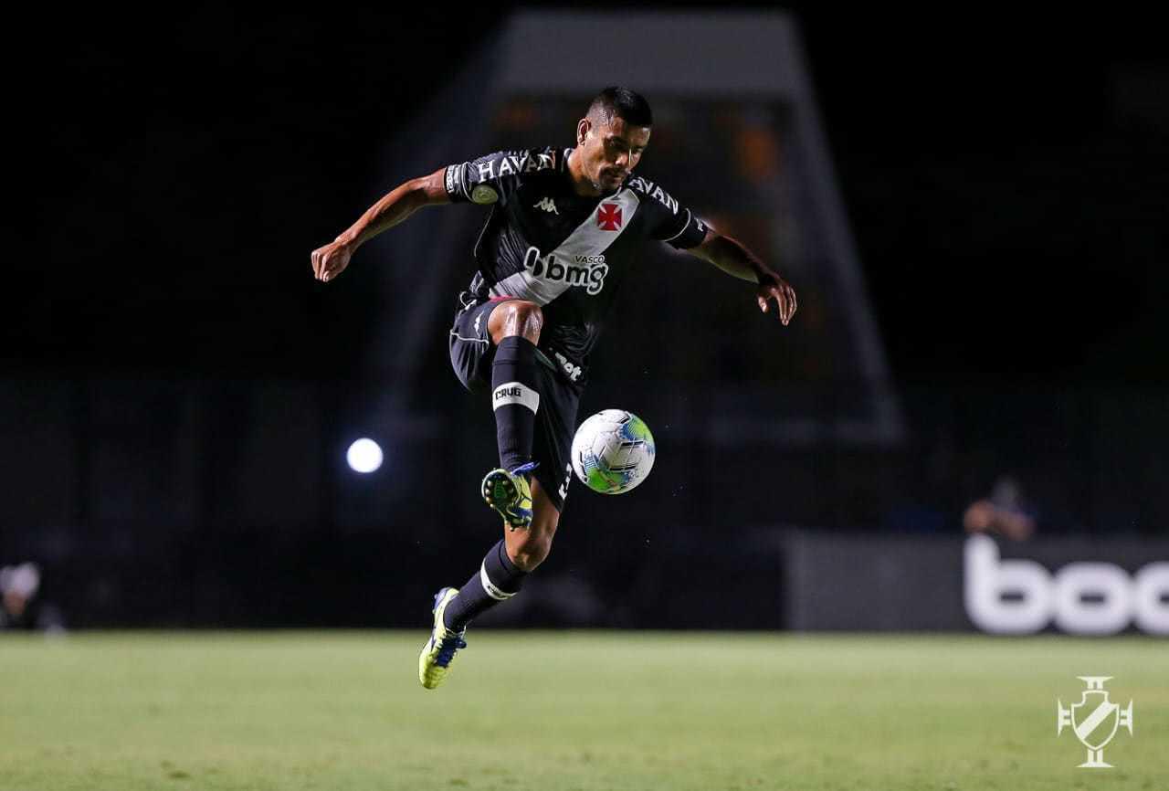 Léo Matos em ação pelo Vasco