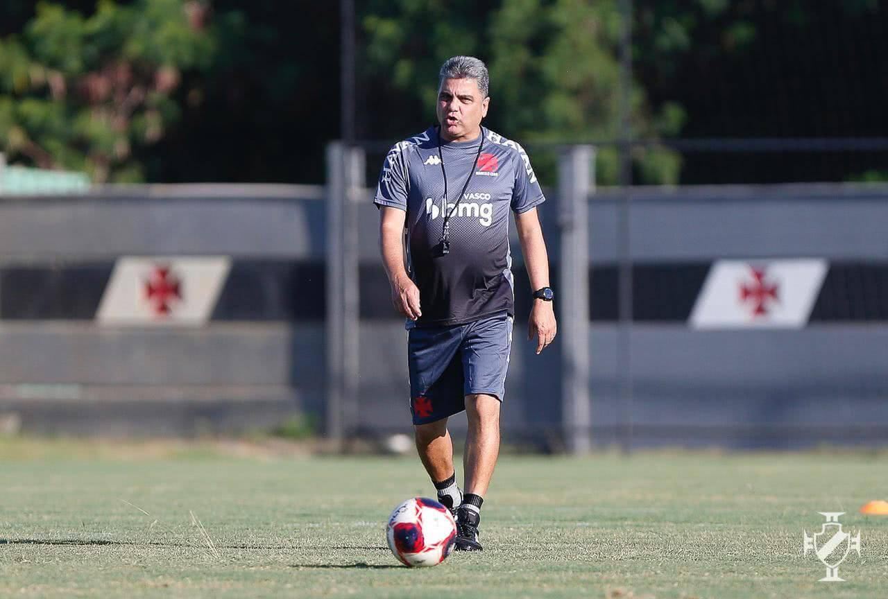 Marcelo Cabo em treino do Vasco