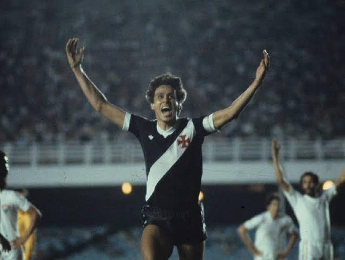 Roberto Dinamite, ídolo do Vasco, em sua época de jogador