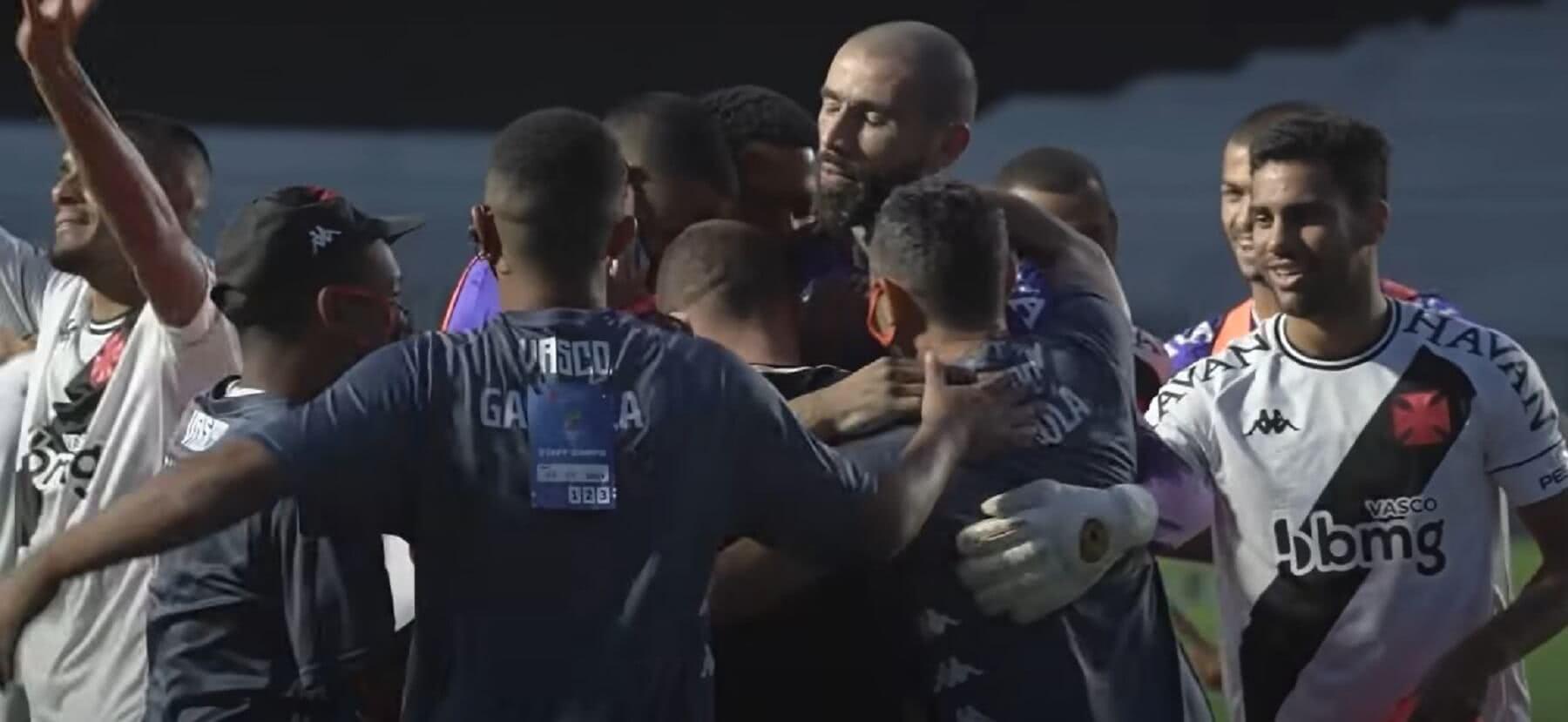 Comemoração do Vasco pelo título da Taça Rio 2021