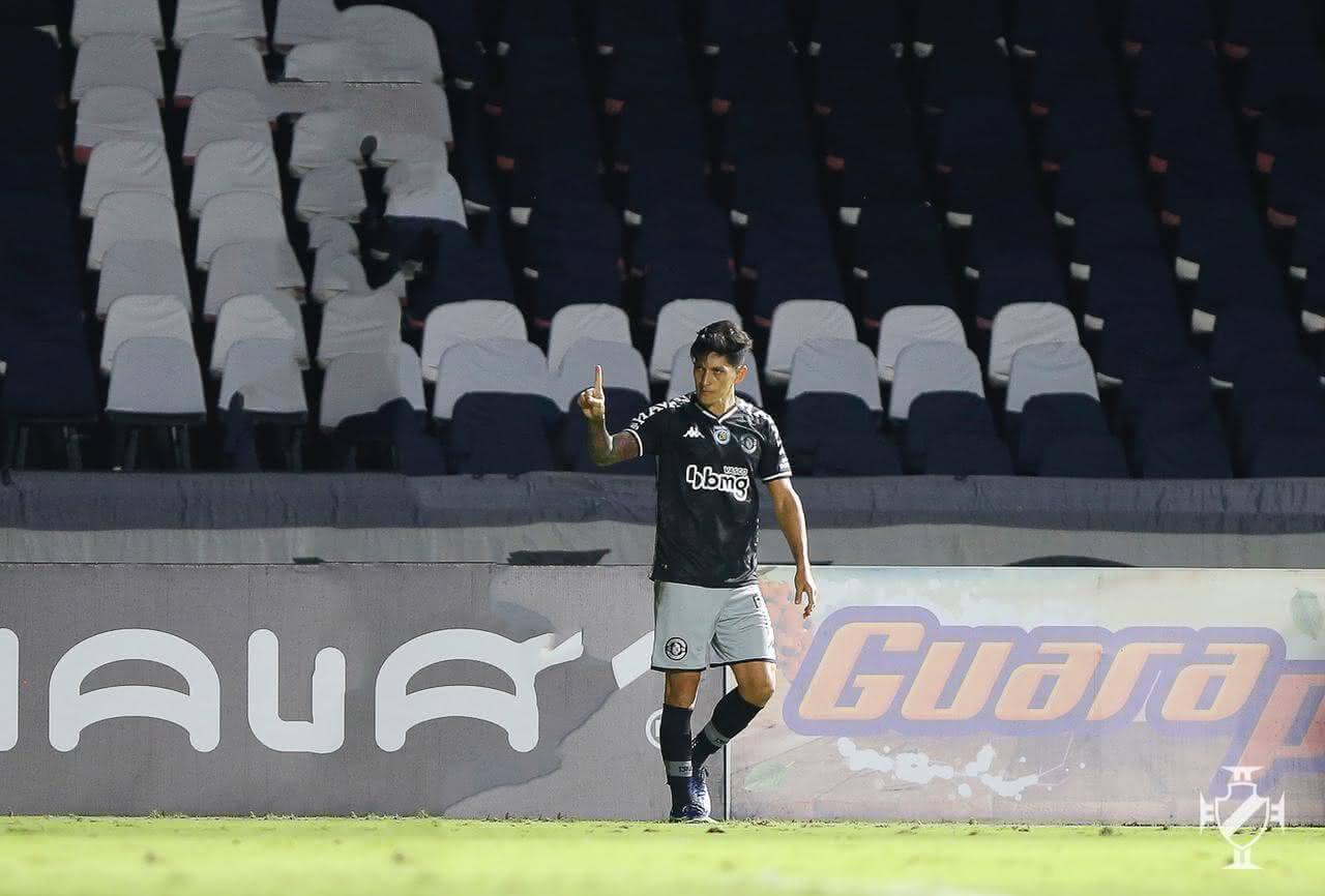 Germán Cano comemorando gol contra o Madureira