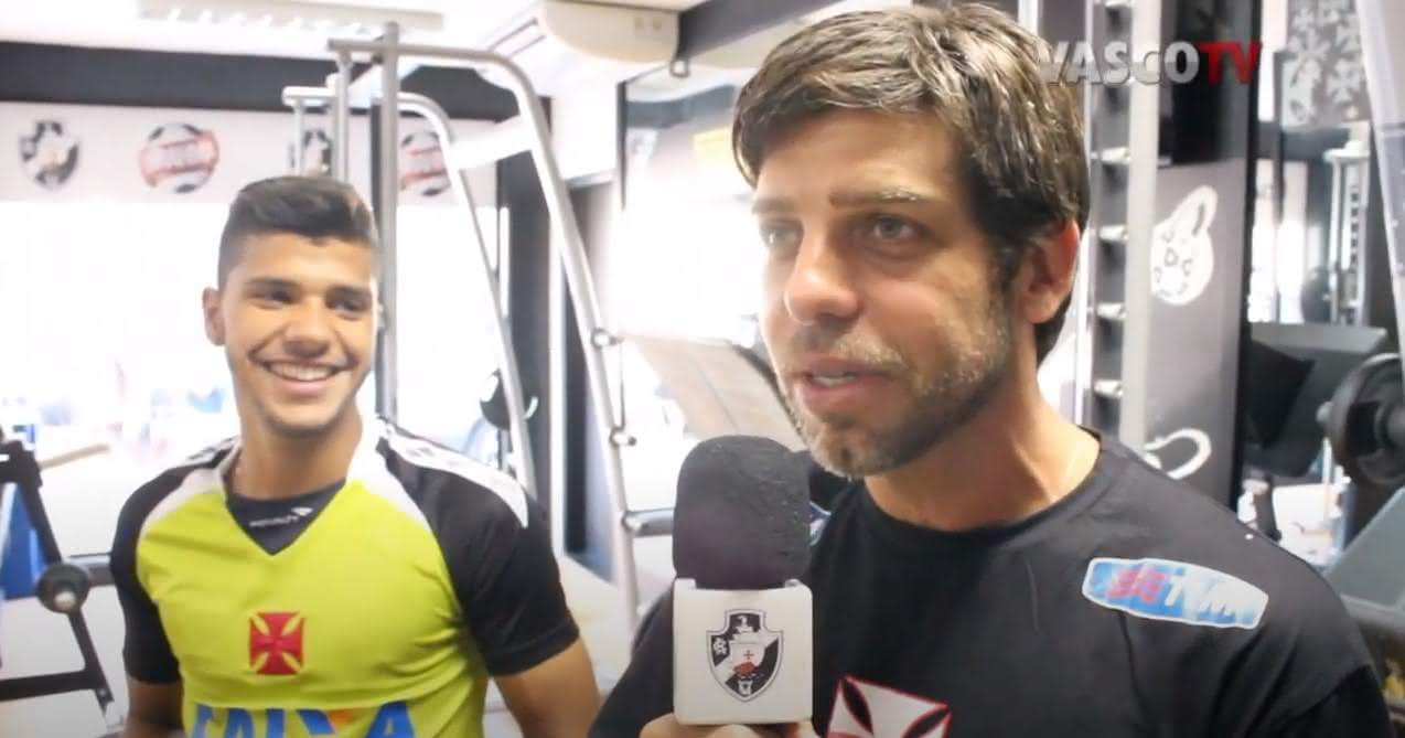 Henrique e Juninho Pernambucano em vídeo da Vasco TV