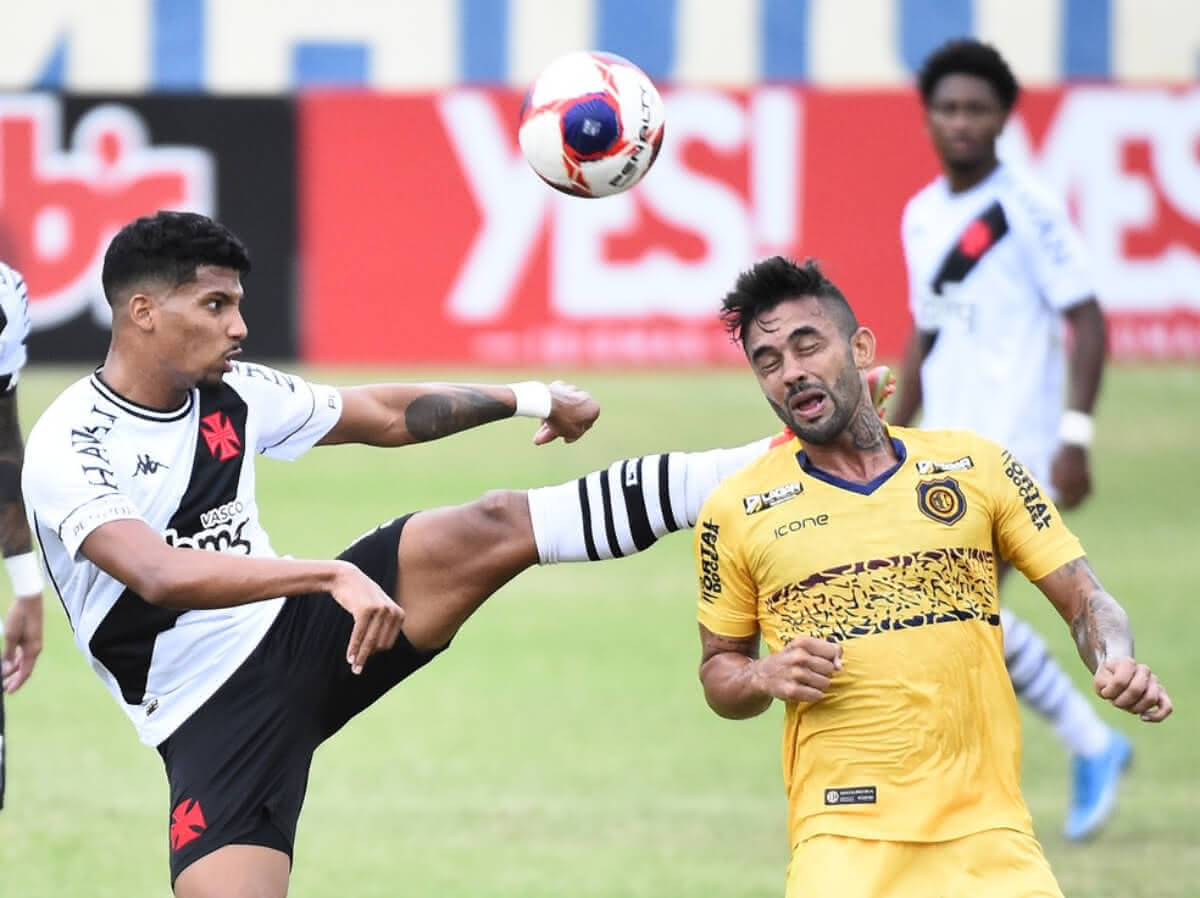 Laranjeira foi expulso contra o Madureira