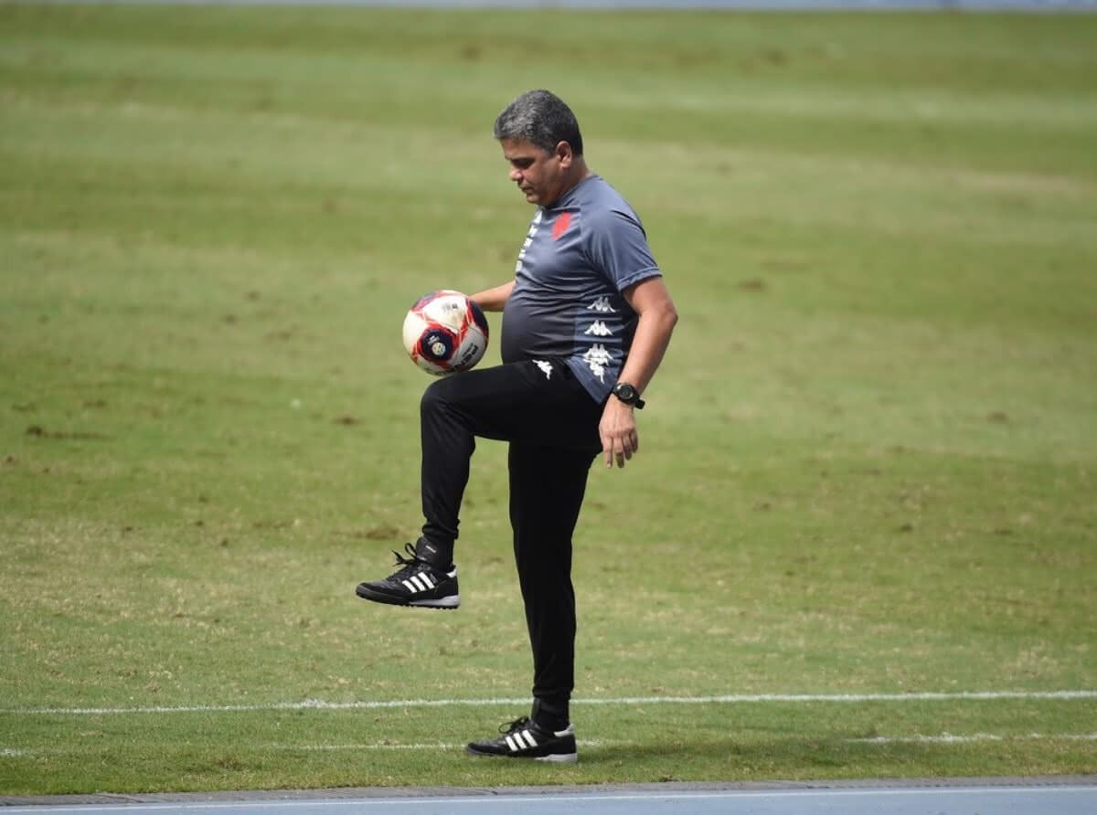 Marcelo Cabo durante jogo contra o Botafogo