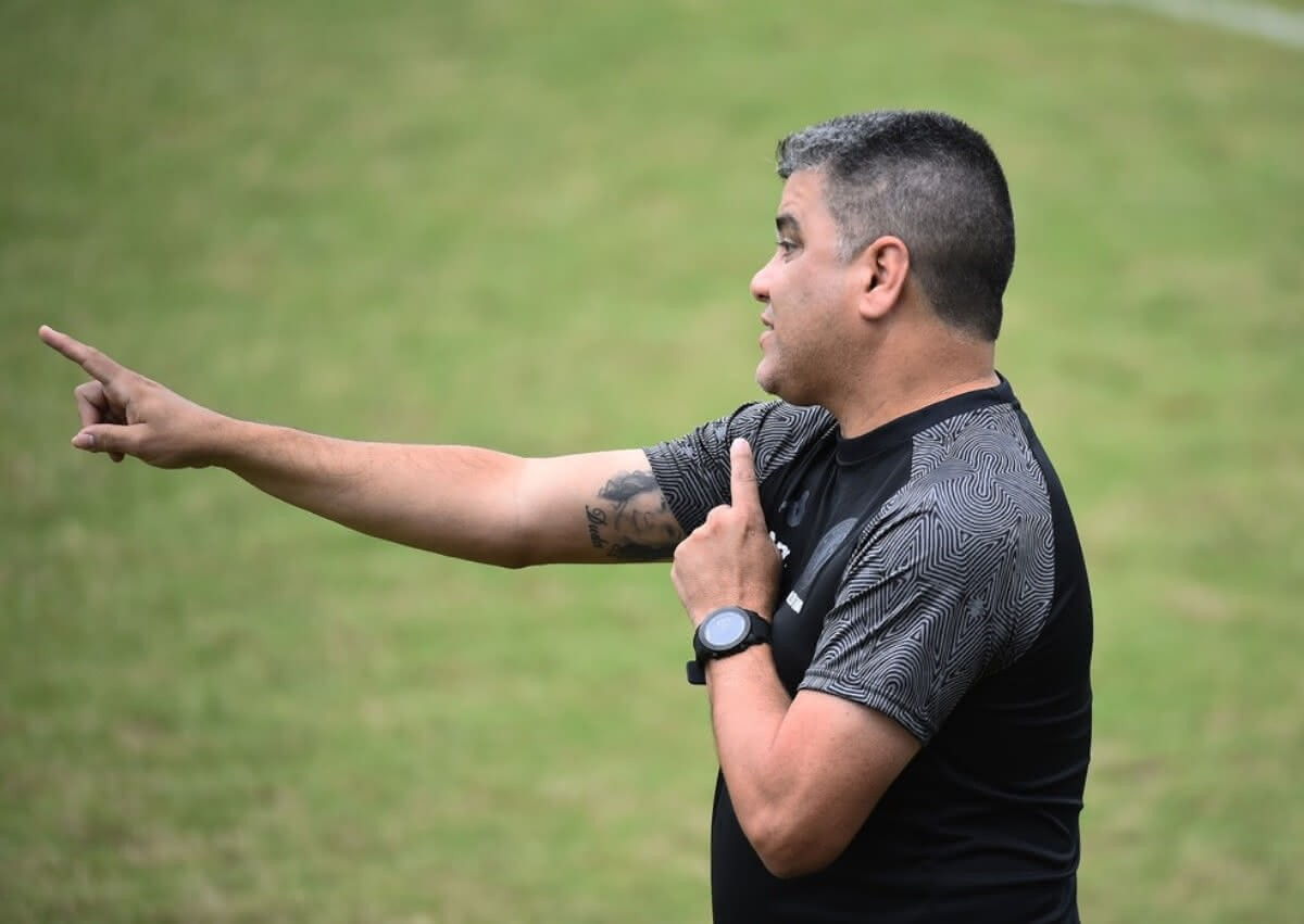 Marcelo Cabo durante o jogo contra o Madureira