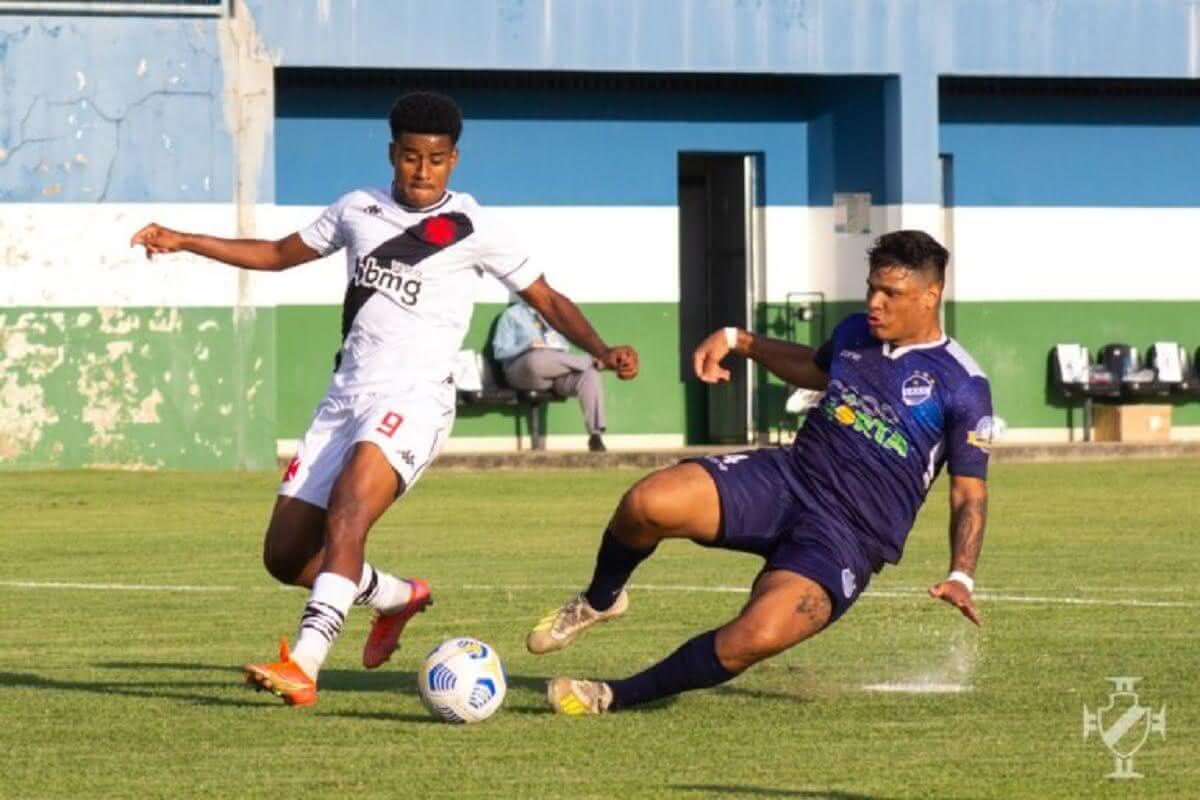 Marcos Dias em ação em Vasco 4 x 2 São Raimundo-RR pela Copa do Brasil Sub-20 em 09 de maio de 2021