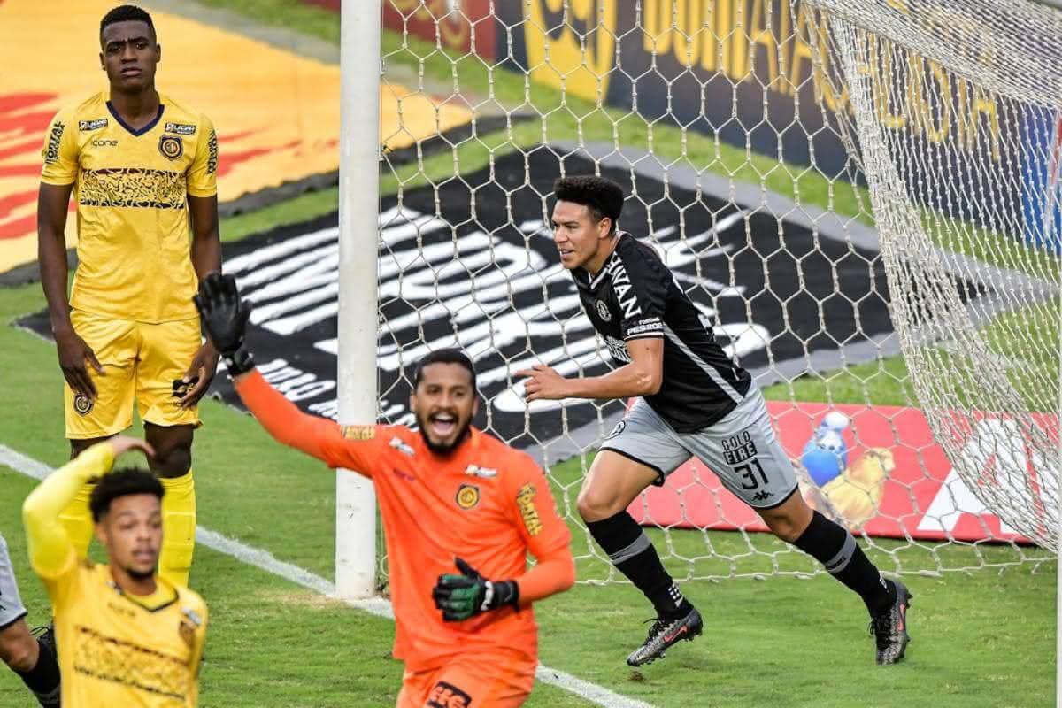 Marquinhos Gabriel marcou o 1º gol do Vasco