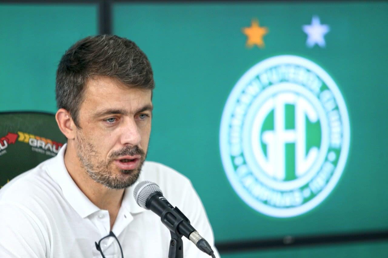 Michel Alves, ex-Vasco, é dirigente do Guarani