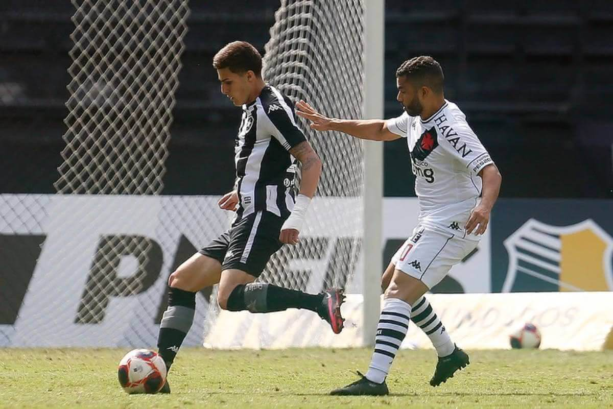 Morato durante jogo contra o Botafogo no Carioca 2021