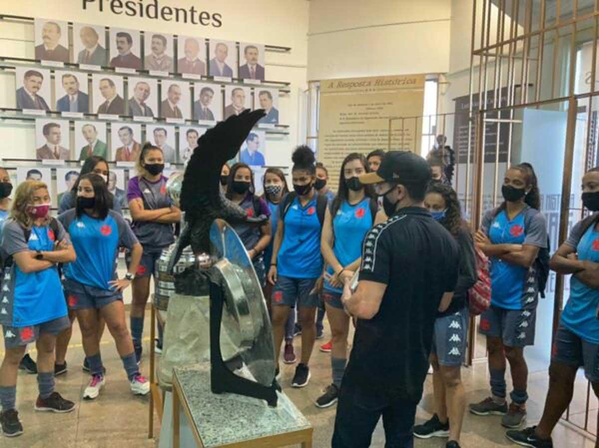 Meninas da Colina na Tour pela Colina Histórica