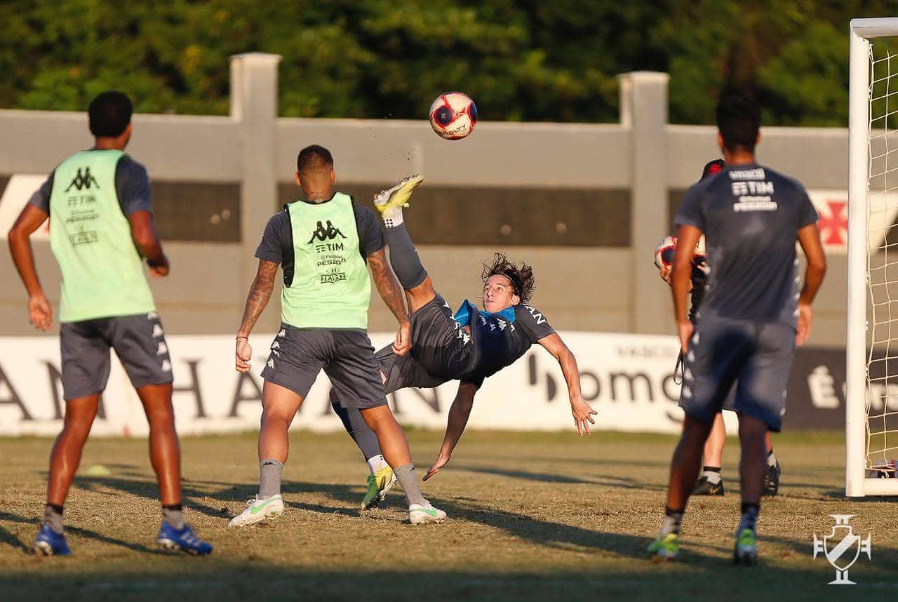 Vasco treinou no CT do Almirante nesta segunda-feira