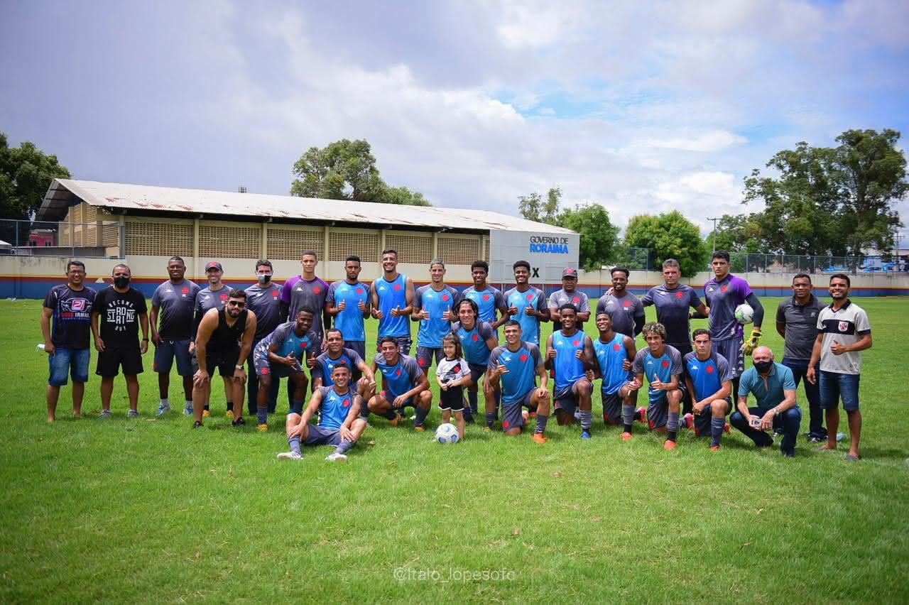 Elenco Sub-20 do Vasco em treino em Roraima