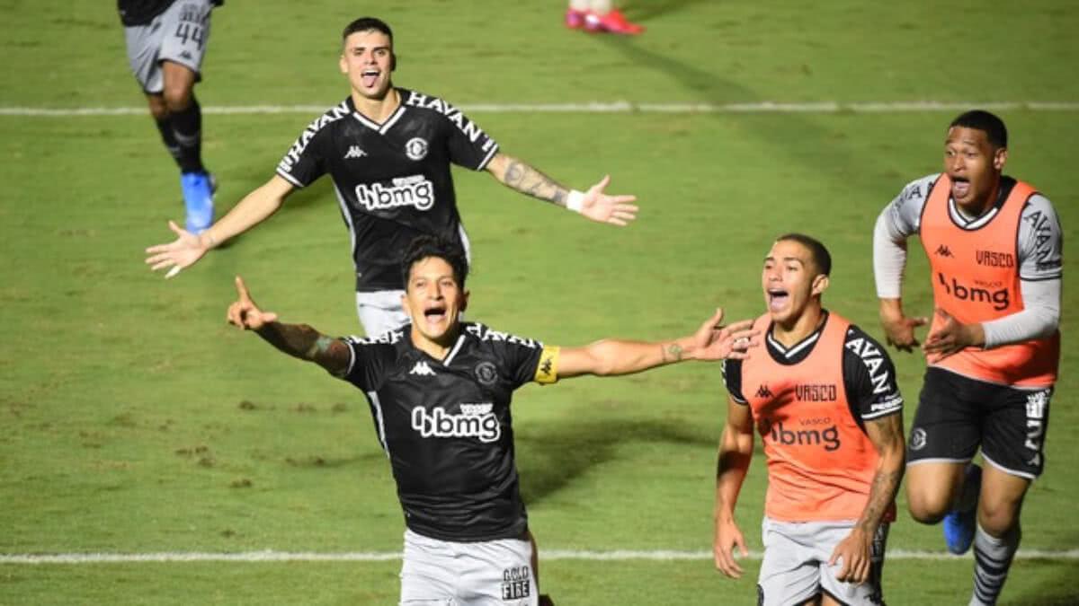 Cano comemorando gol contra o Boavista