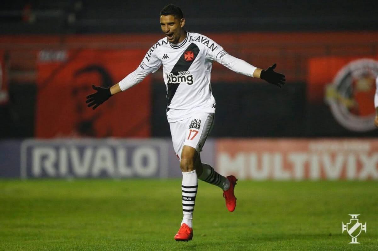 Daniel Amorim comemorando gol contra o Brasil de Pelotas