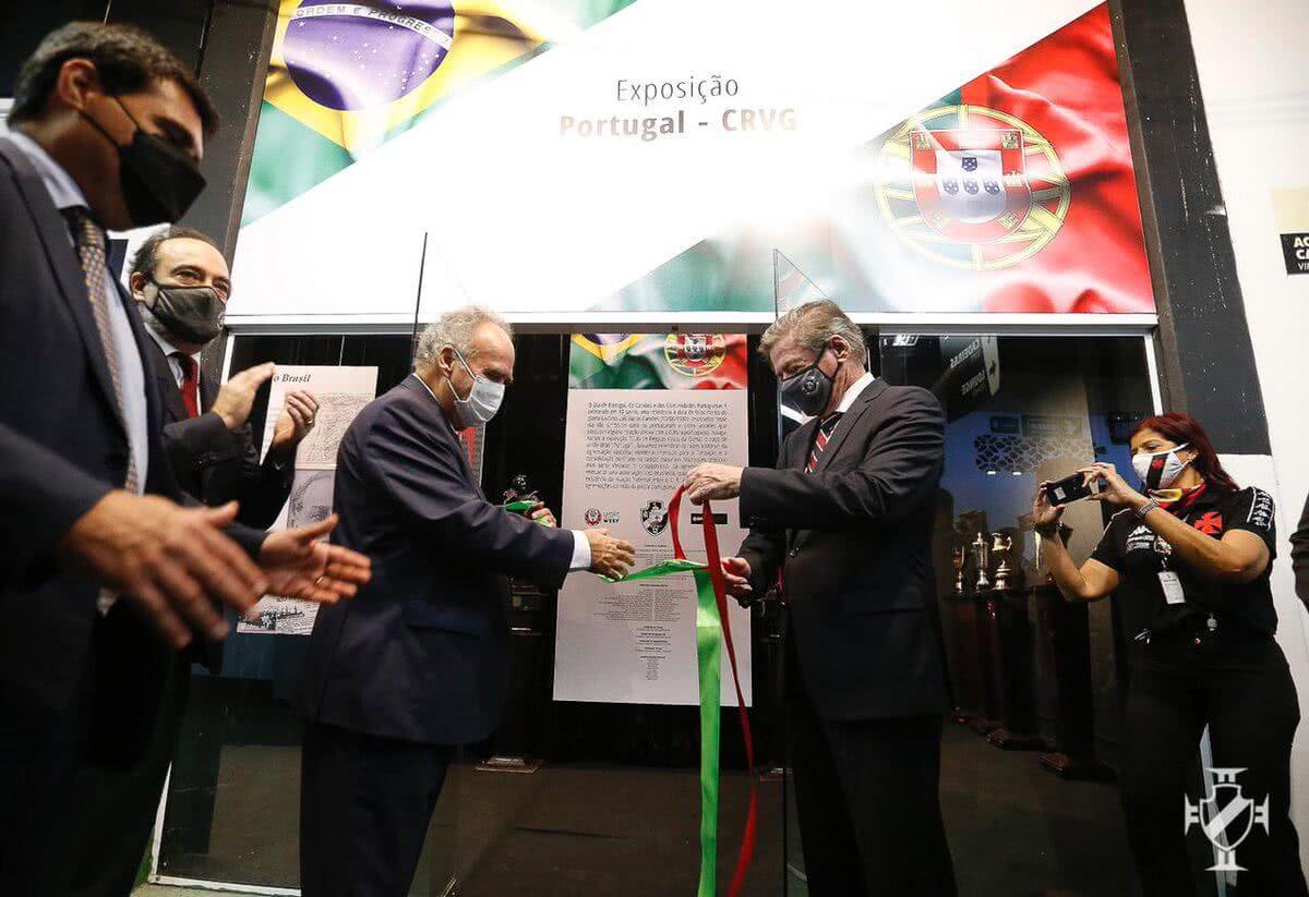 Jorge Salgado durante inauguração de exposição sobre os laços Brasil-Portugal em São Januário