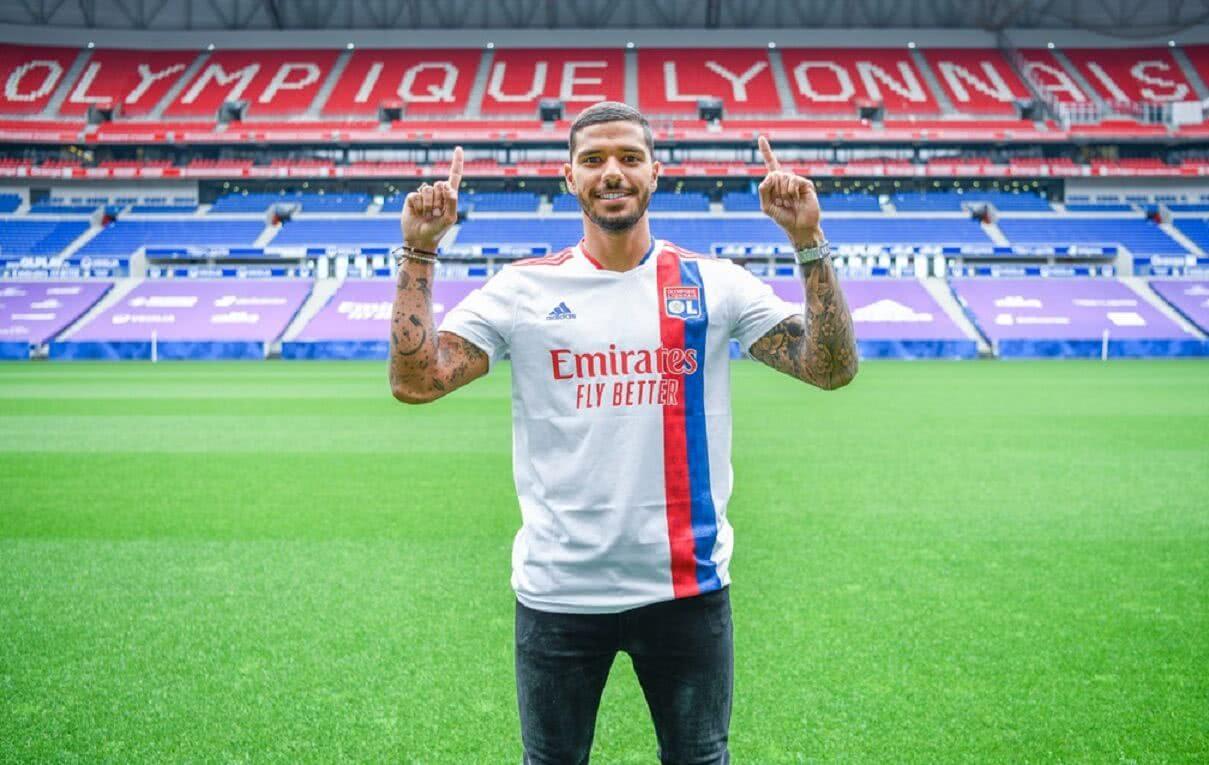 Henrique foi anunciado oficialmente pelo Lyon-FRA