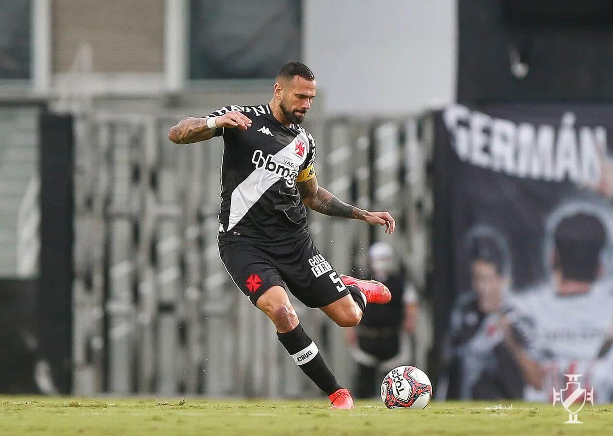 Leandro Castan durante jogo contra o CRB