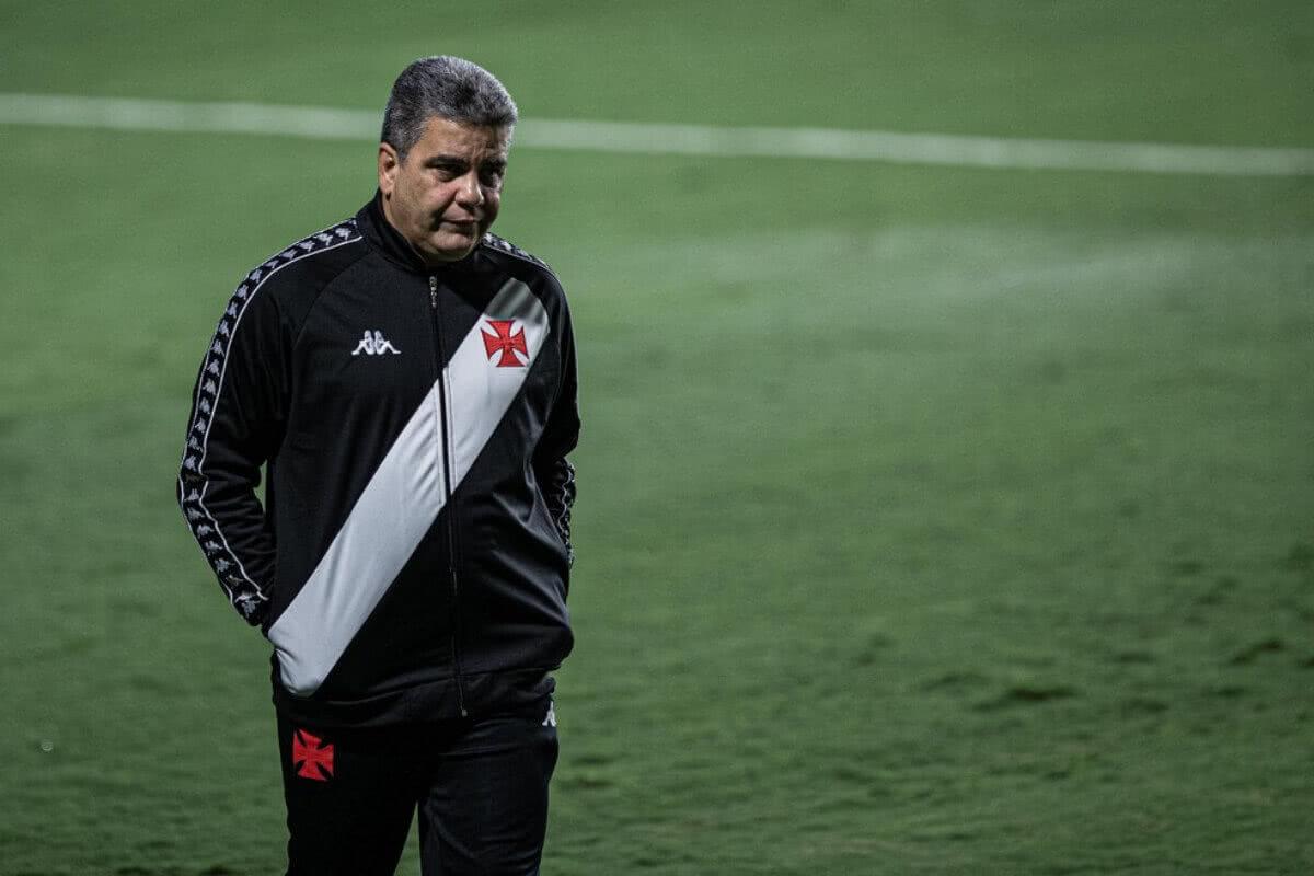 Marcelo Cabo em jogo contra o Goiás