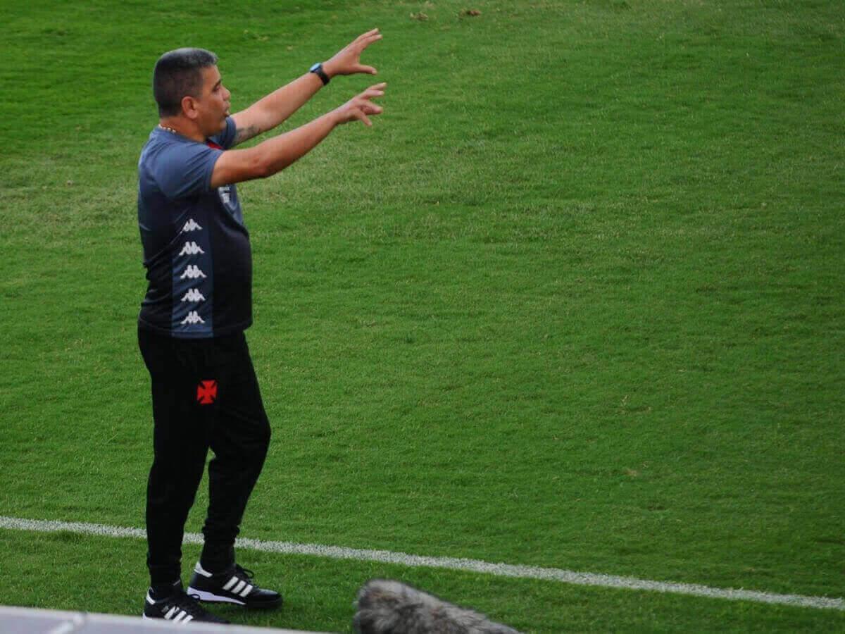 Marcelo Cabo durante o jogo contra a Ponte Preta