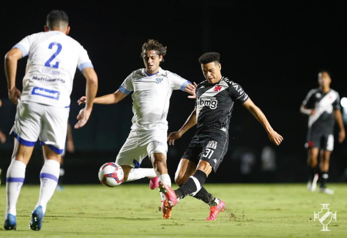 Marquinhos Gabriel durante jogo contra o Avaí pela 4ª rodada da Série B 2021
