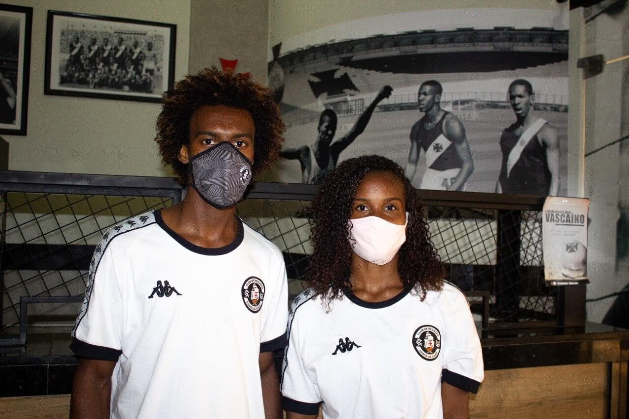 Respectivamente, Reinaldo do Nascimento e Maria Vitória, atletas de atletismo do Vasco