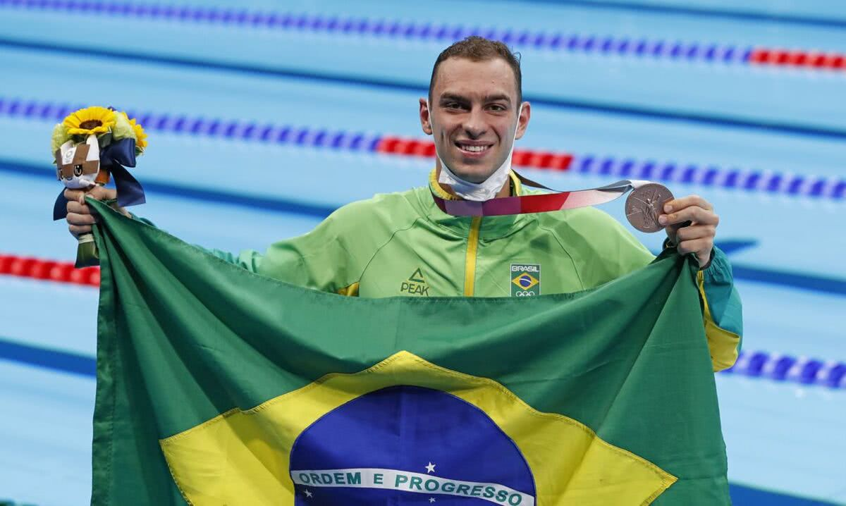 Fernando Schefefr fatura o bronze na natação, em Tóquio