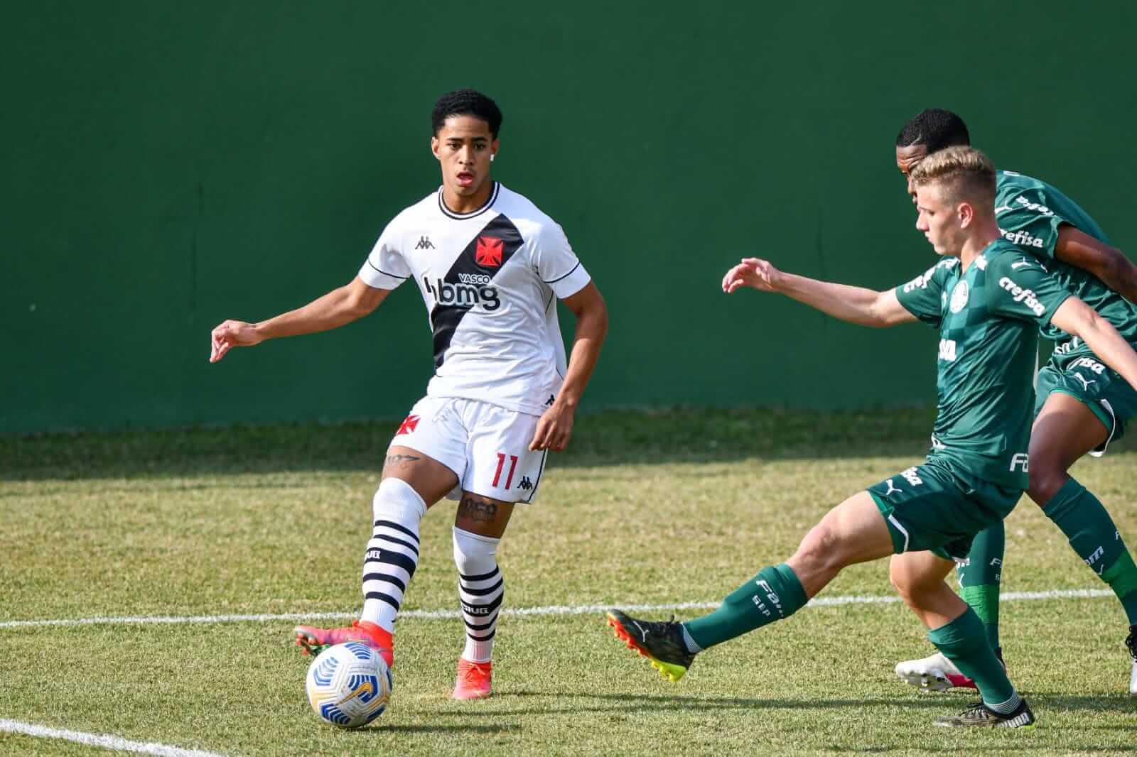 Vasco vence o Palmeiras pelo Brasileiro Sub-17