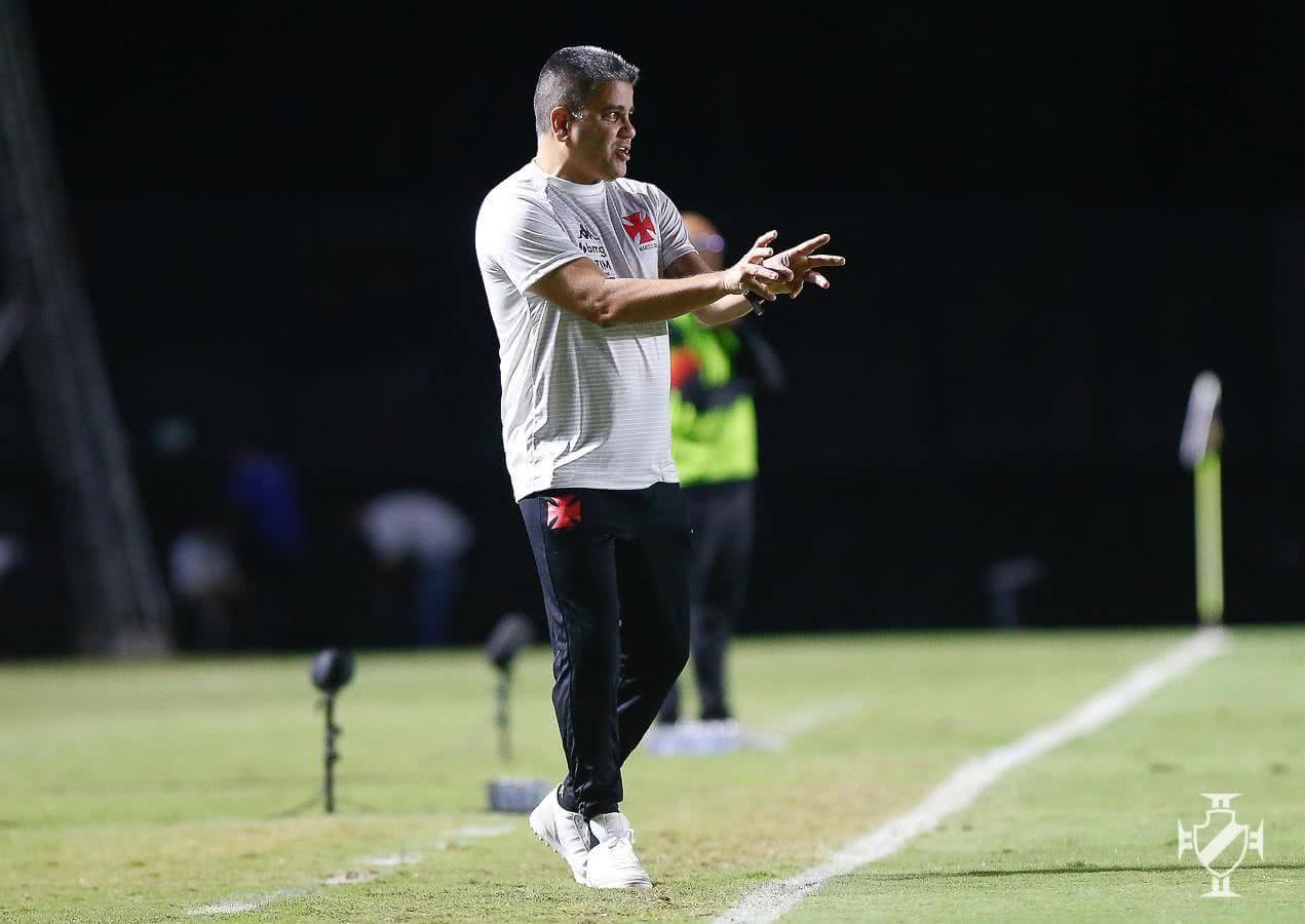 Marcelo Cabo durante o jogo contra o Sampaio Corrêa