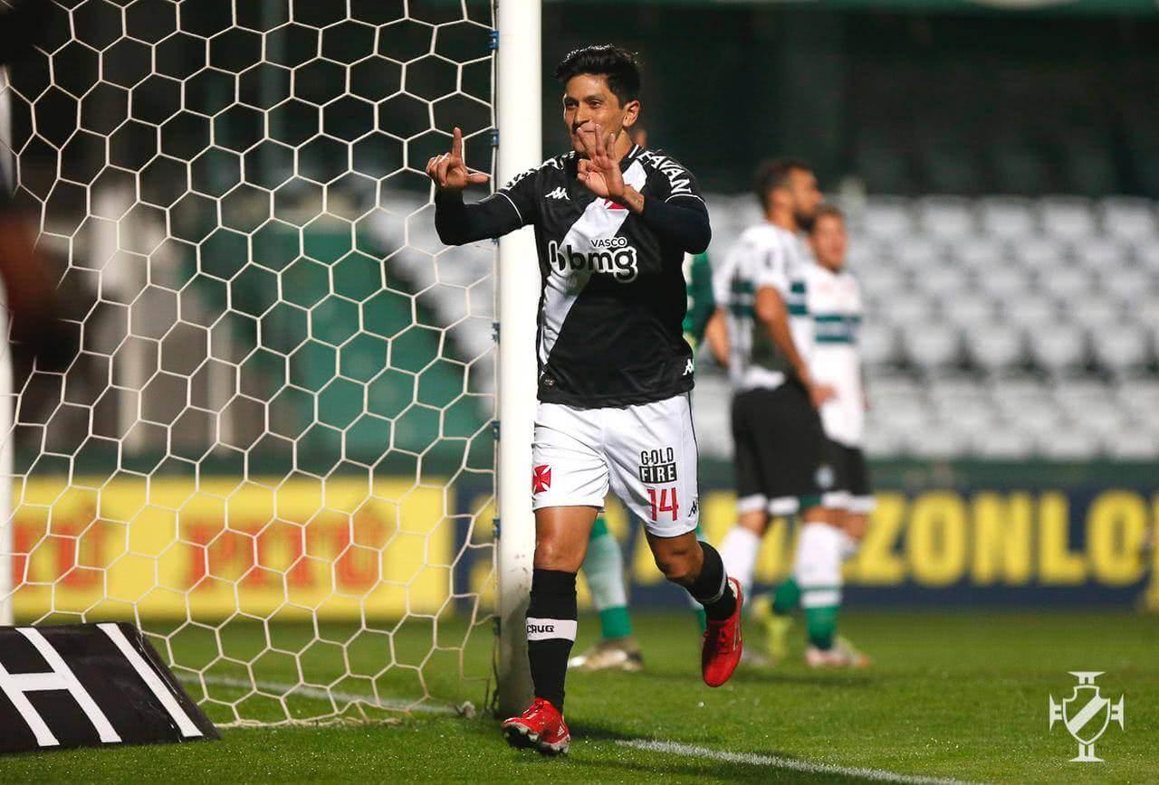 Cano comemorando gol contra o Coritiba