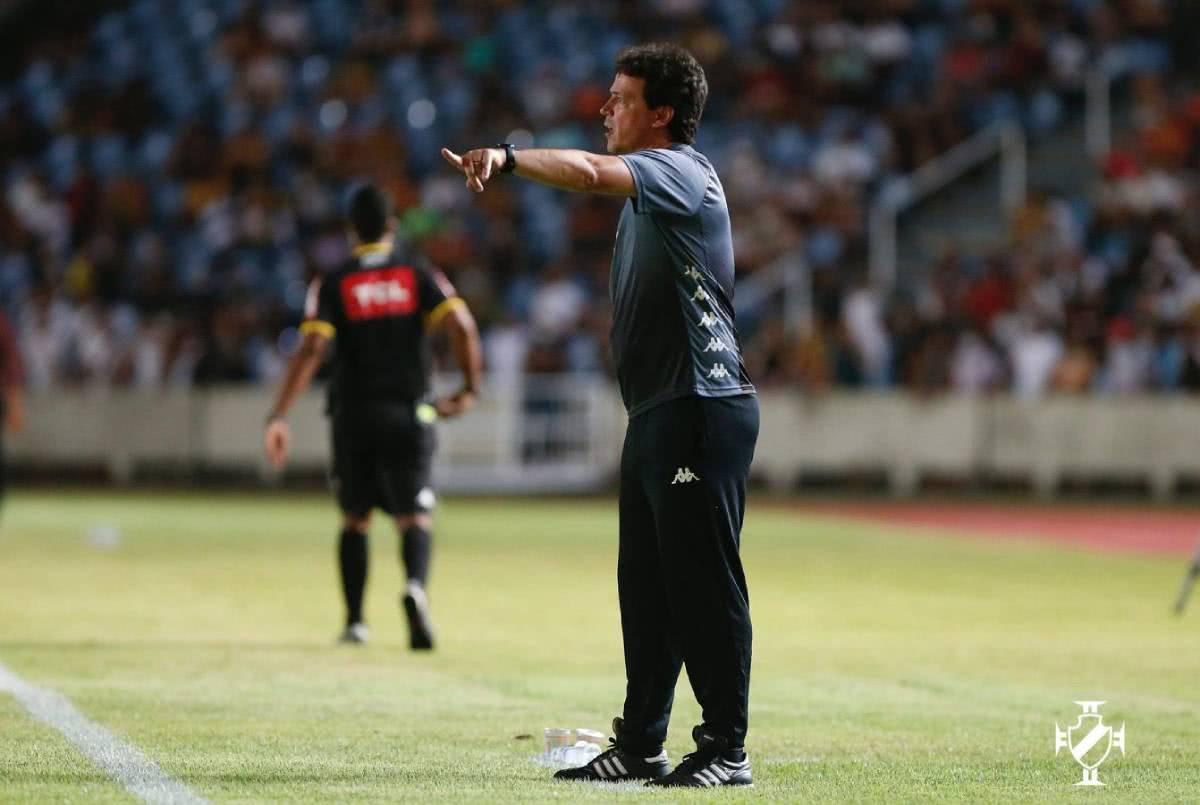 Fernando Diniz durante jogo contra o Sampaio Corrêa