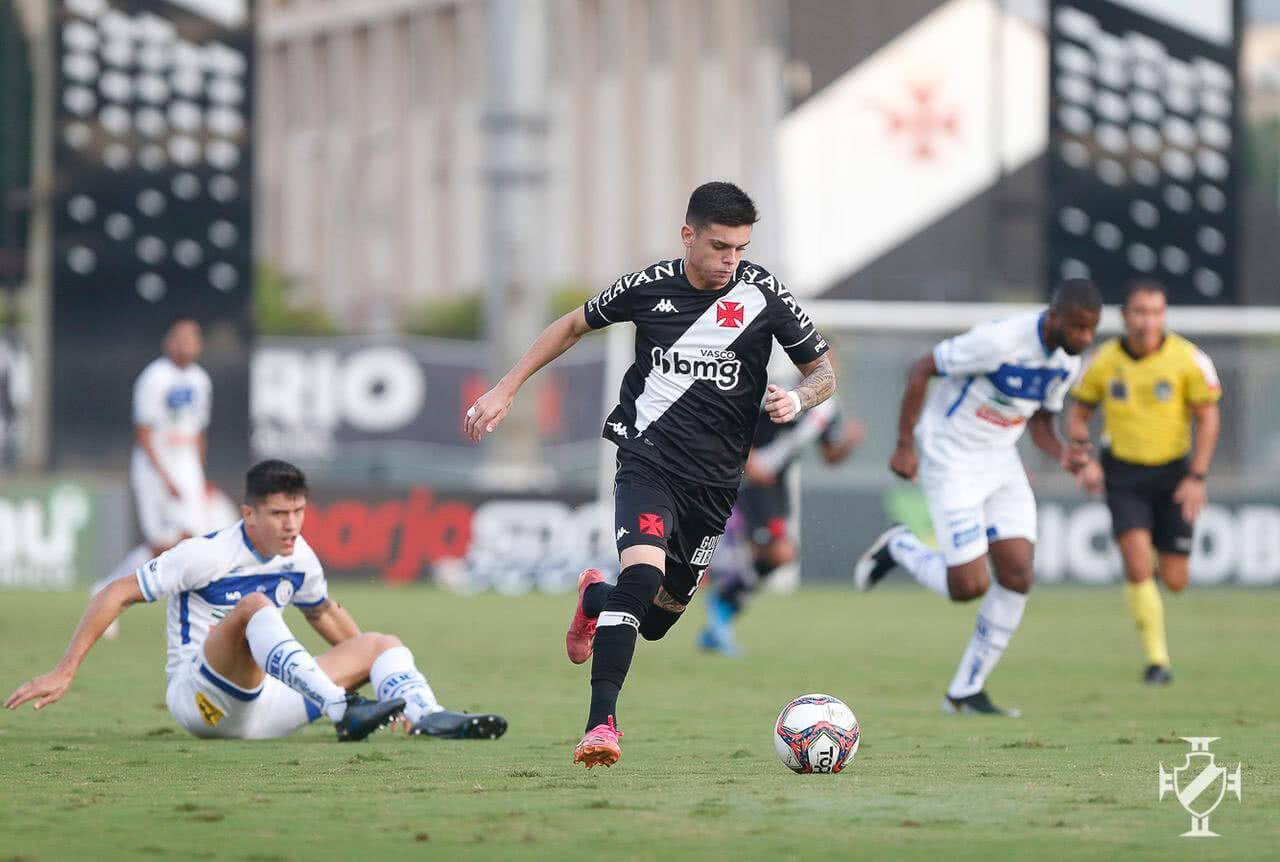Gabriel Pec contra o Confiança (Foto: Rafael Ribeiro/Vasco)