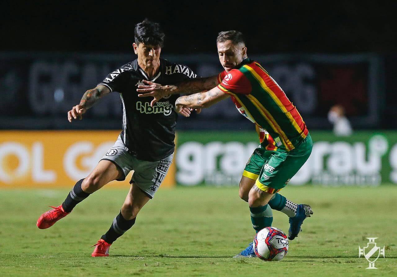 Germán Cano durante o jogo contra o Sampaio Corrêa