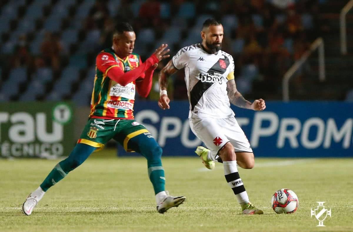 Leandro Castan durante o jogo contra o Sampaio Corrêa