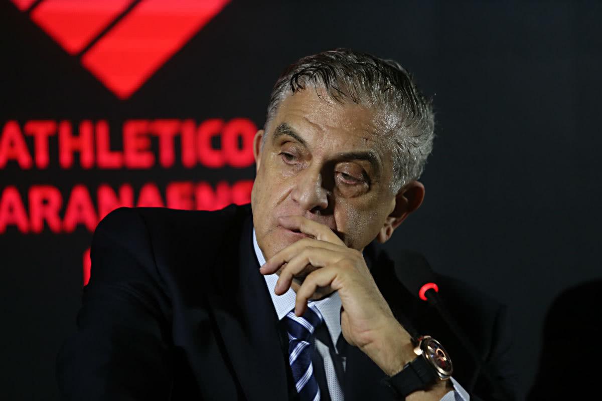 Mario Celso Petraglia é dirigente do Athletico-PR