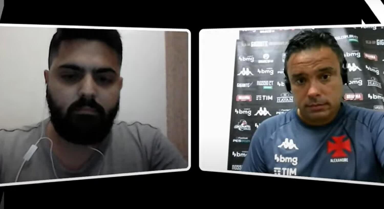 Repórter do Vasco Notícias Raphael Fernandes e técnico Alexandre Gomes