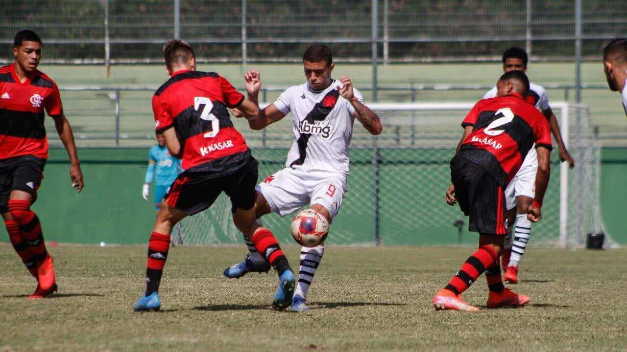 Vasco em jogo contra o Flamengo pelo Sub-20