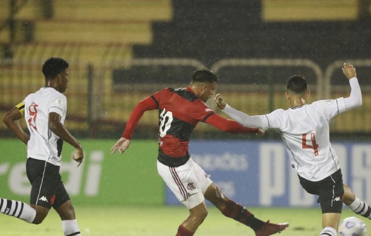Flamengo 4 x 1 Vasco pela final do Brasileiro Sub-17 2021