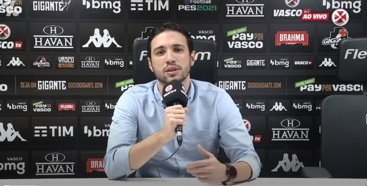 Pássaro durante entrevista após o jogo contra o São Paulo