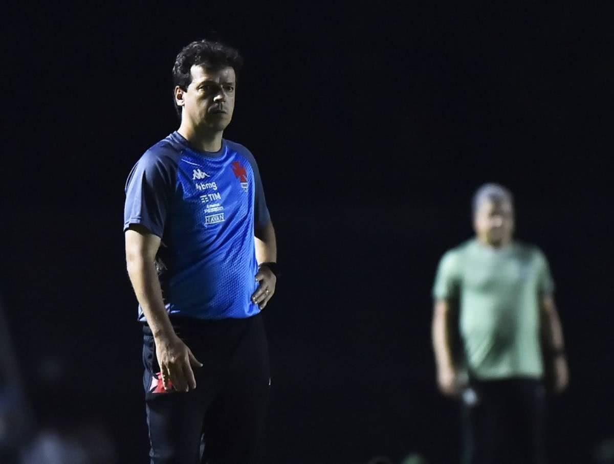 Fernando Diniz em jogo contra o Goiás