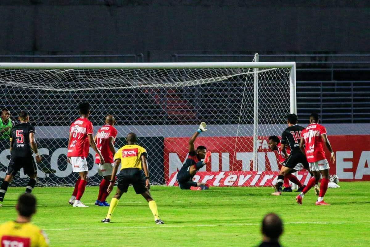 Gol de Germán Cano contra o CRB