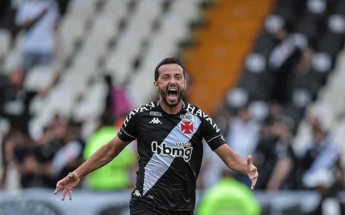 Nenê comemorando gol contra o Brusque