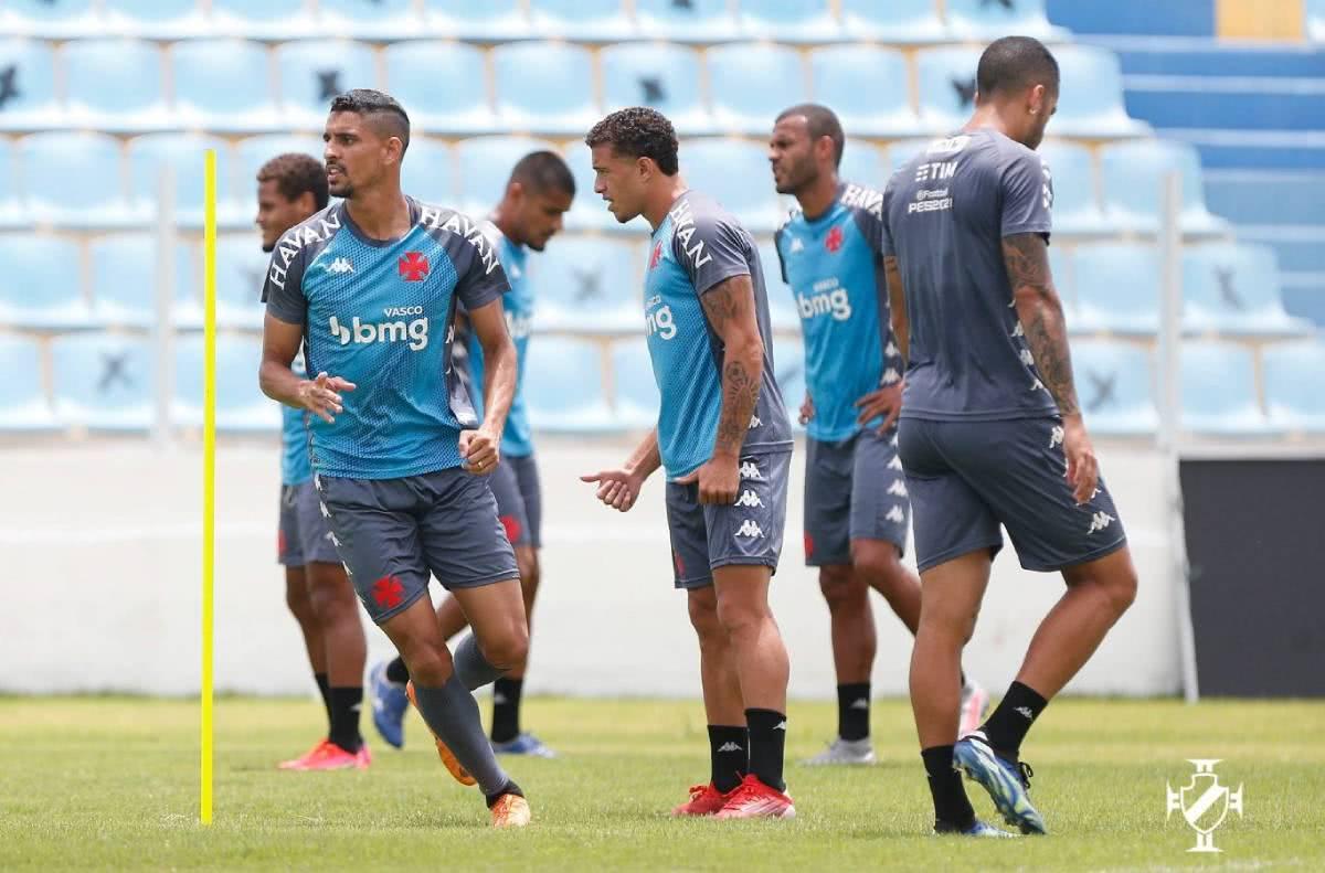 Jogadores do Vasco em treinamento
